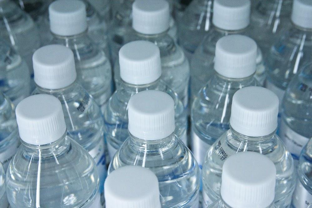 Las botellas de plástico pueden llevar Bisfenol A Imagen: Steven Depolo (CC)